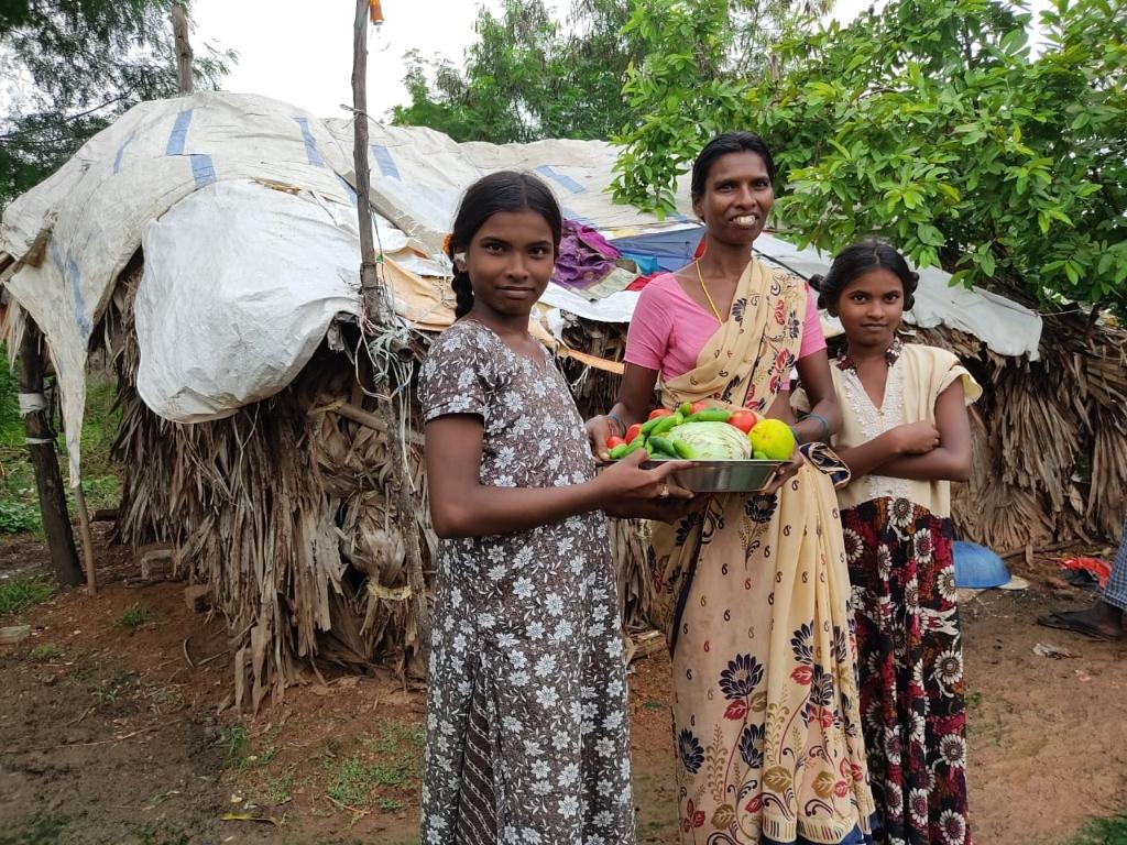 trotse bewoners Tulp Garden India Margreet v Coeverden  © BDU media