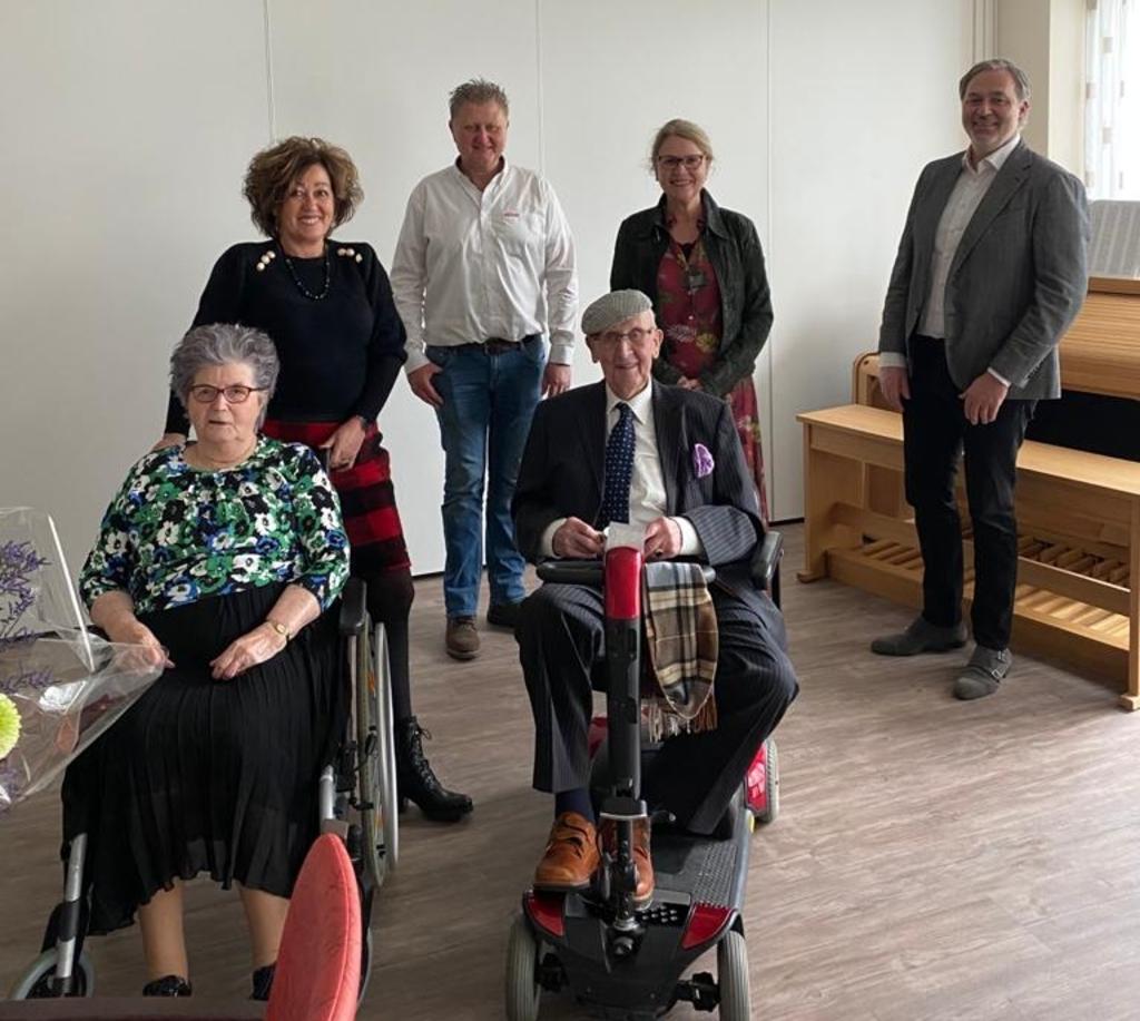 <p>Henk Rozendaal was naar Putten gebracht en ook alle kinderen waren aanwezig om het feest samen met hun ouders te vieren. </p>