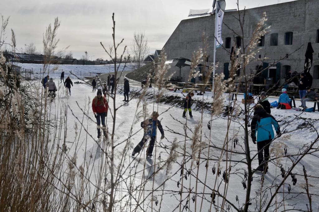 Schaatsen bij het Fort met Koek en Zopie Willem ten Veldhuys © BDU media