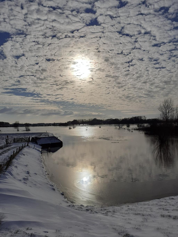 Sneeuw bij de Lek Willy van Selm © BDU media