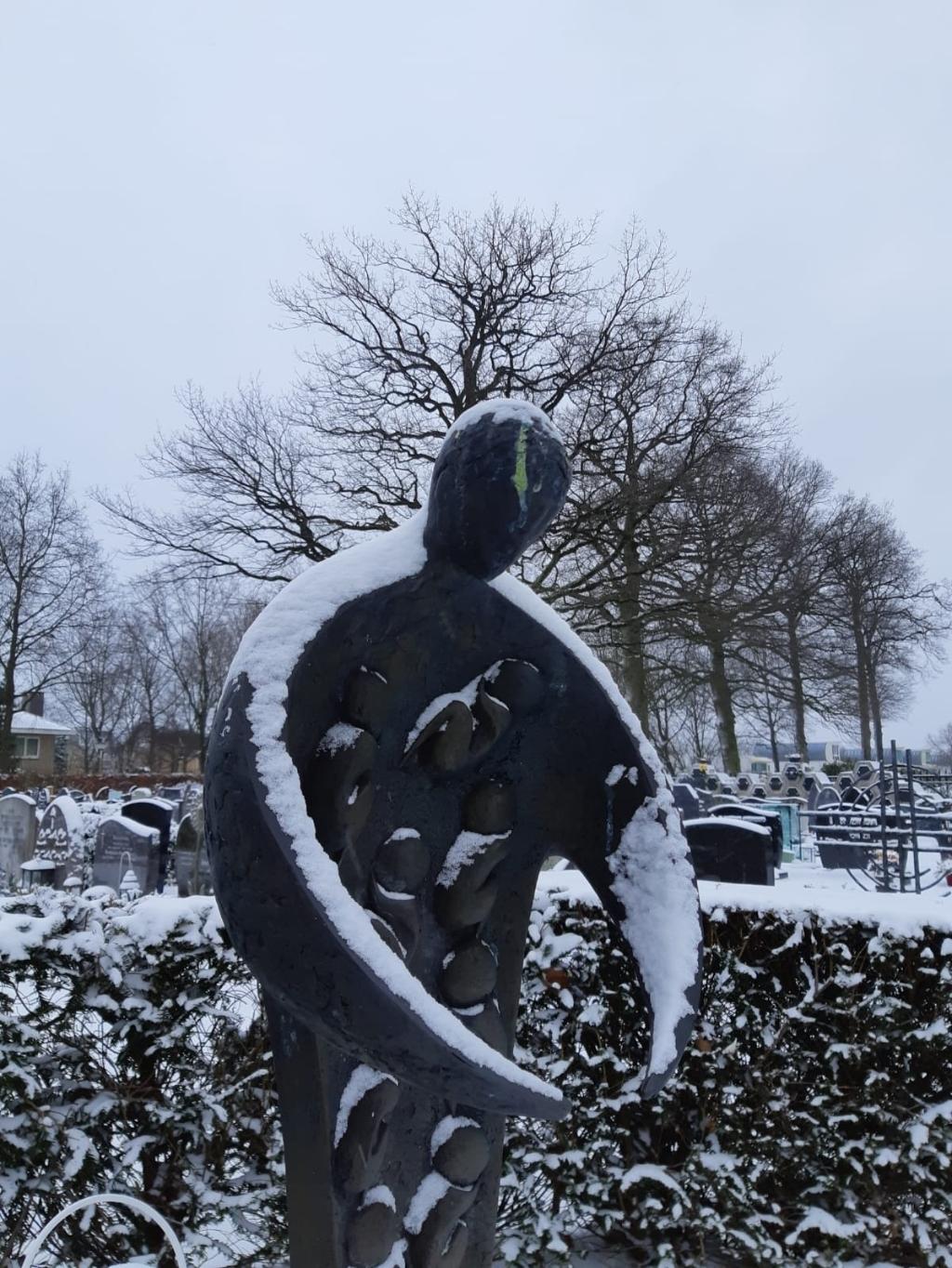 Het beeld gekend en gekoesterd op de begraafplaats de Langenoord AD © BDU media