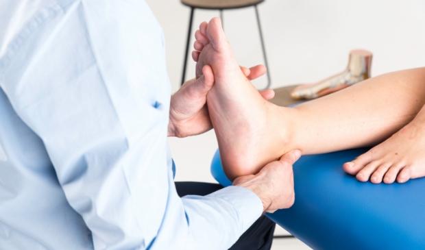 <p>&#39;Naast verhelpen van klachten kan de podotherapeut ook voorkomen dat je problemen krijgt.&#39;</p>