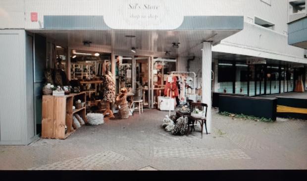De buitenkant van haar winkel