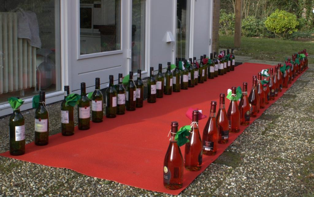 De wijnflessen langs de rode loper Gerrie van Roekel © BDU media