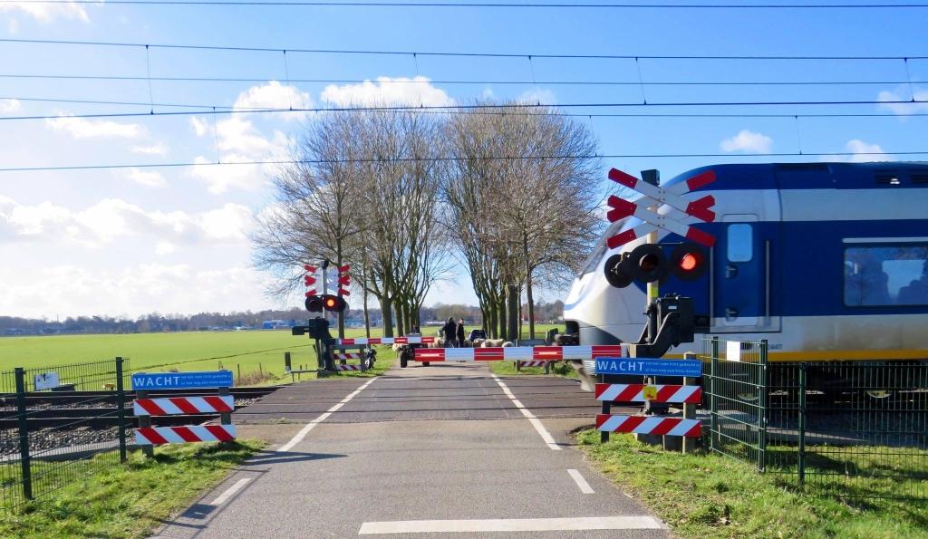 2  De Sprinter Amersfoort-Baarn raast voorbij Onno Wijchers © BDU media