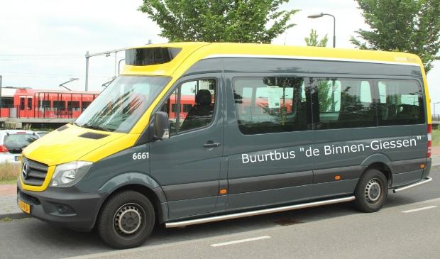 buurtbus bij station Boven-Hardinxveld