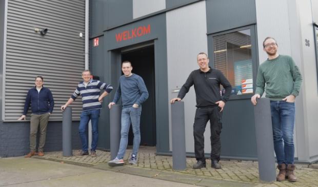<p>Van links naar rechts: Richard van de Pol, Eric van der Werf, Matthieu Dammers, Jonathan van Steenbergen en Jelle Willems.&nbsp;</p>