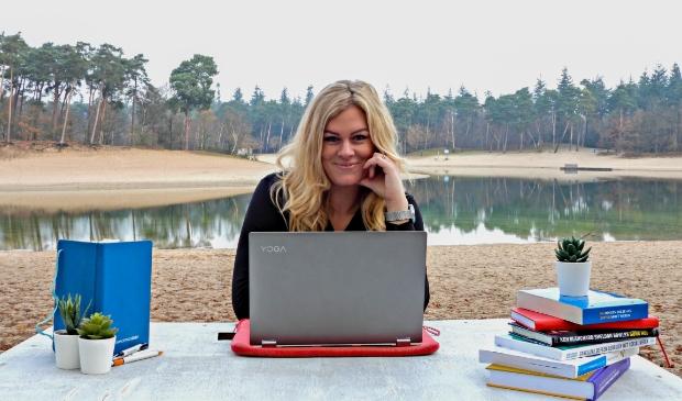 <p>Bianca Reussink: ,,Ik denk in kansen en oplossingen en ga tot het uiterste om voor jou de beste financi&euml;le deal te vinden!&#39;&#39;</p>