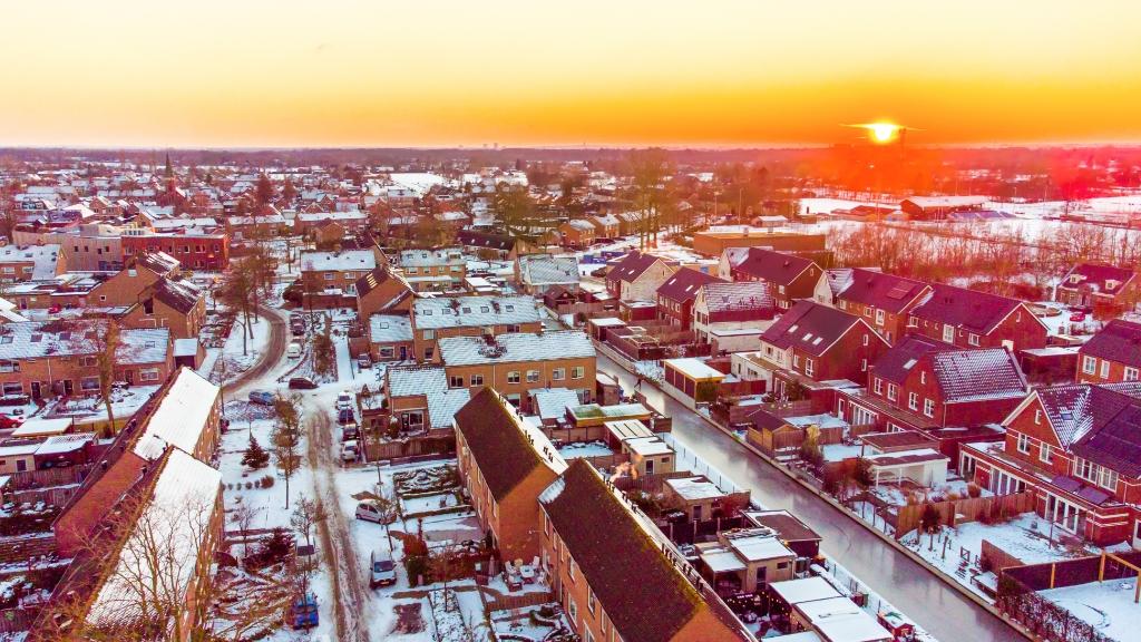 Nijkerkerveen bij ondergaande zon Aalt Guliker © BDU Media