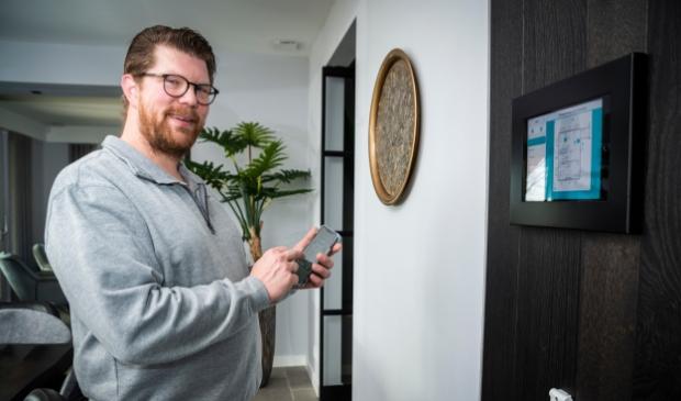 <p>Jeroen Boon: ,,De huisautomatisering is de laatste tijd in een stroomversnelling gekomen in de regio Barneveld.&#39;&#39;</p>