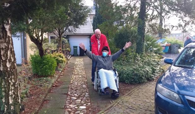 Piet begroet zijn buurtgenoten