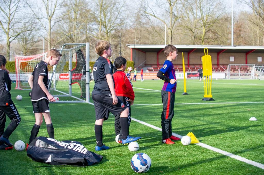 Het was prachtig weer tijdens de voetbalclinic van Unitas Unitas © BDU Media