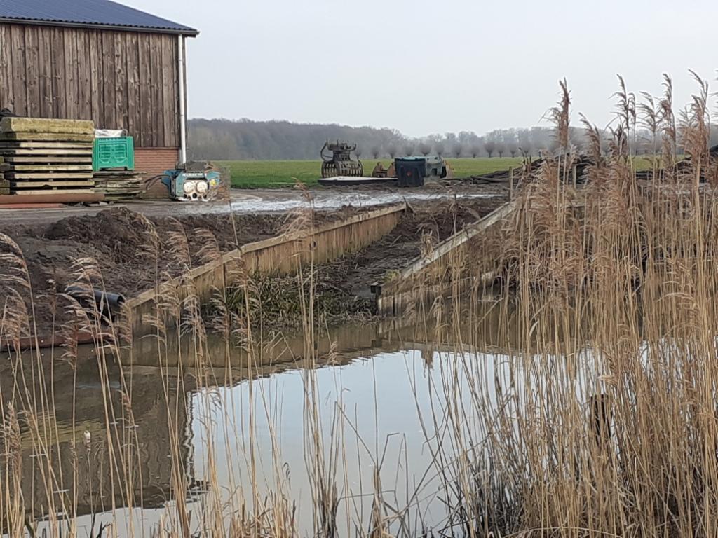HDSR vervangt 800 meter van de beschoeiing langs de Kromme Rijn tussen Odijk en Werkhoven. Agnes Corbeij © BDU media