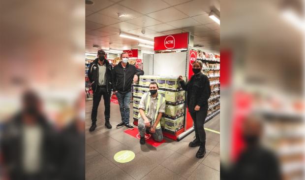 Medewerkers van Voedselbank Diemen bij PLUS Vreeswijk.