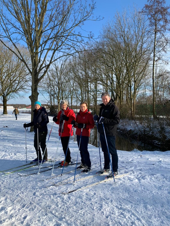 Langlaufen langs de Kromme Rijn Een voorbijganger © BDU media
