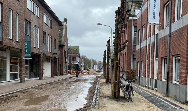 <p>De werkzaamheden in de Dorpsstraat zijn begonnen.</p>