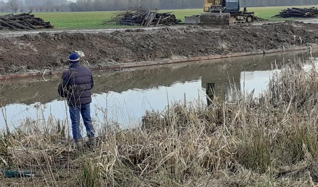 HDSR vervangt 800 meter van de beschoeiing langs de Kromme Rijn tussen Odijk en Werkhoven.