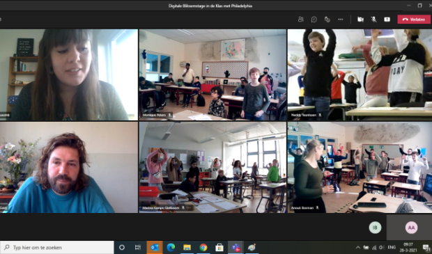 Een screenshot van de digitale Bliksemstage, met de vier klassen en de medewerkers in beeld