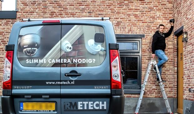 <p>Roberto Merkens van RMEtech: ,,Een goede camera hoeft niet duur te zijn.&#39;&#39;</p>