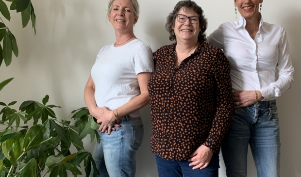 Anneke Geitenbeek, Yolanda van Oosterwijk, Anita Schimmel