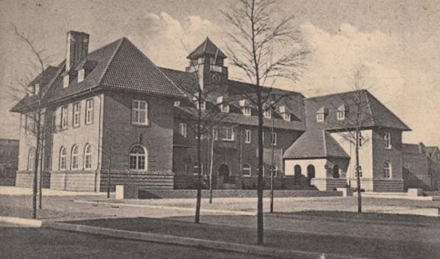 <p>Gemeentehuis Sliedrecht waar de trouwpartij plaatsvond.</p>