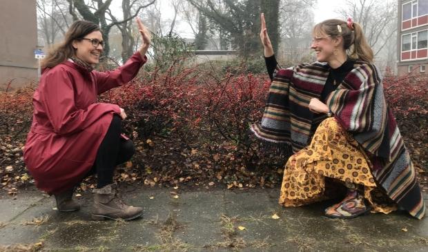 Janna en Babette slaan de handen ineen en zetten een podcast en online training op.