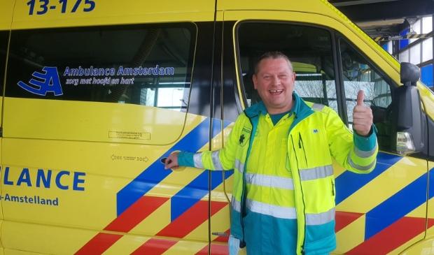 <p>Ambulancebroeder Quiseppe maakt deel uit van het team van Pamela.</p>