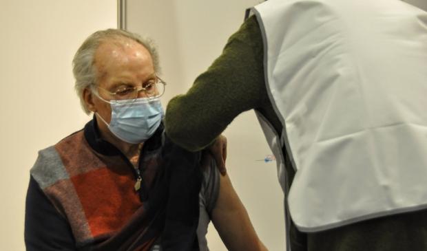 <p>De vaccinaties bij huisartsen zijn twee weken uitgesteld.</p>