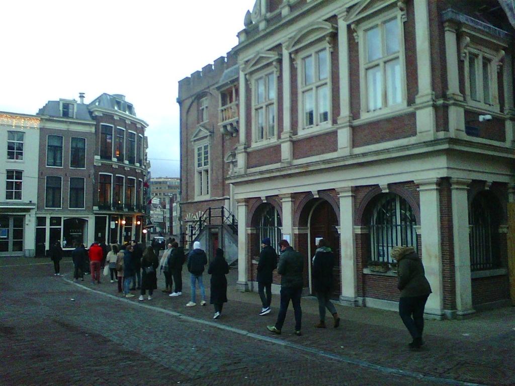 Lange rijen voor de stembussen. Ad Timmers © BDU media