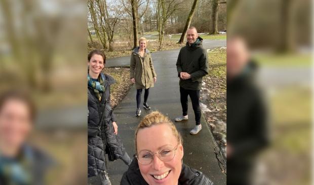 V.l.n.r. Eline de Jong (Praktijk Fris), Jennifer Boellaard (Massagepraktijk Kihon), Julia Vergeer (Healthstudio Julia) en Rein Sarink (Reset Haarlemmermeer) organiseren samen de gratis online challenge: Boost je immuunsysteem.