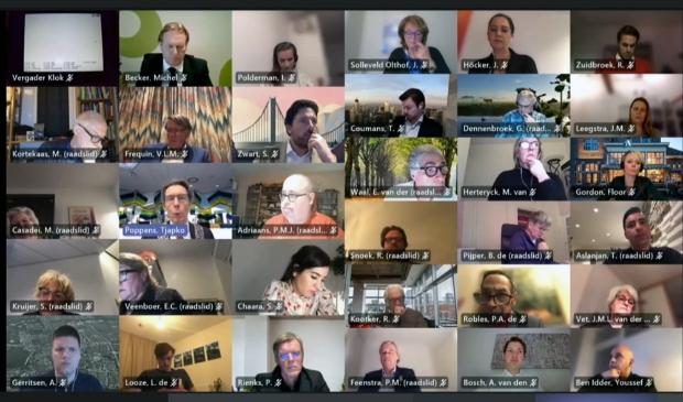 <p>Gemeenteraad van Amstelveen tijdens digitale vergadering.</p>