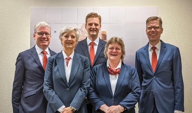 <p>Het team van Uitvaartzorg De Meer.</p>