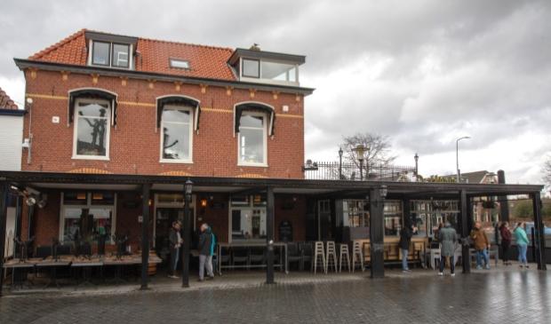 Wandelaars bezoeken cafe's in Barneveld en Voorthuizen (corona...)