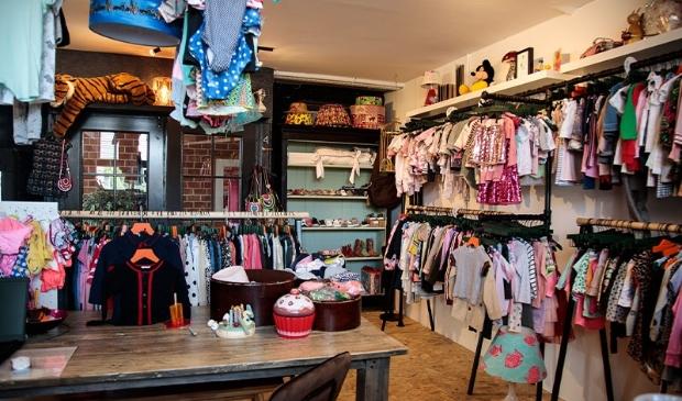 <p>De winkel in Art Centre Aalsmeer.</p>