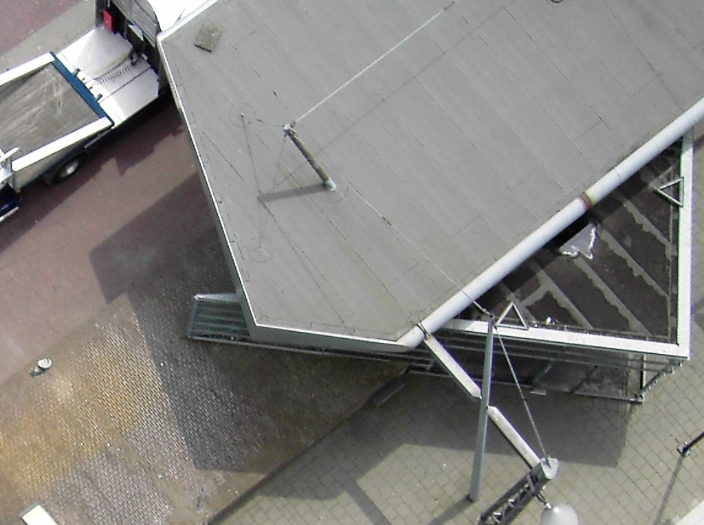 Oplossing fotoquiz 42: het inmiddels afgebroken podium op het Museumplein.  Collectie Henny Jansen © BDU Media