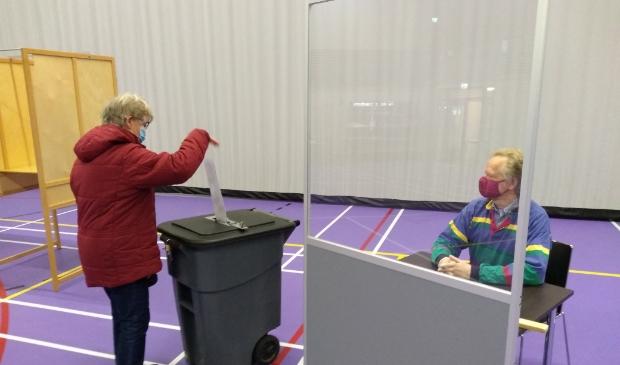 De Lindenhof in Odijk was een van de drie locaties in de gemeente waar ook maandag en dinsdag al gestemd kon worden.