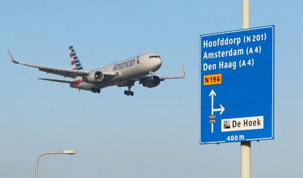 <p>Schiphol en LVNL lanceren zestien nieuwe maatregelen tegen vliegtuiglawaai.</p>