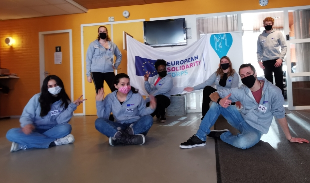 <p>Jonge vrijwilligers van Bright Future zijn met drie Solidariteitsprojecten van start gegaan in Amstelveen.&nbsp;</p>