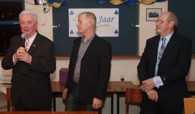 <p>SV Spaarnwoude is opgericht op 27 februari 1971 door Henk Goebert (links). Naast hem Ed Karman en Ron IJlstra.<br><br></p>