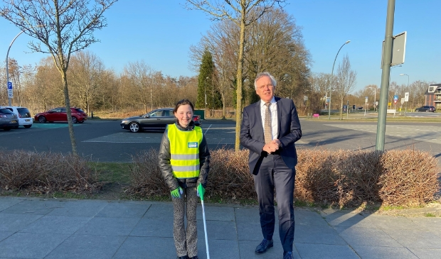 <p>Kinderburgemeester Lisa van Garderen en burgemeester Eppie Klein ontmoetten elkaar dinsdag voor de eerste keer in het echt..</p>