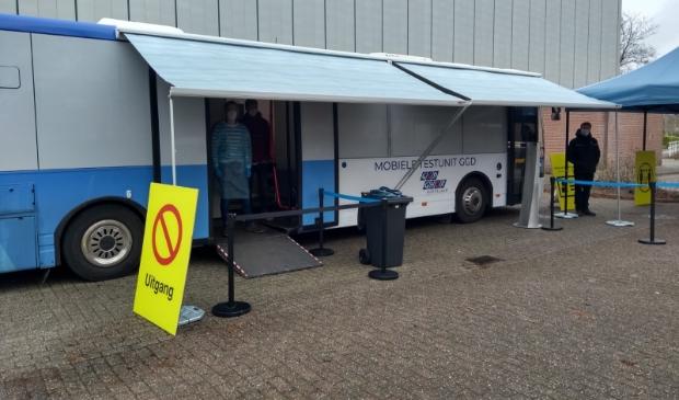 <p>De coronatestbus staat nu in Ouderkerk maar staat vanaf 29 maart weer in Amstelveen.</p>