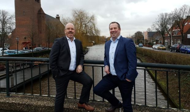 <p>Henk van Aken (links) en Robert Boogaard van Van Aken & Boogaard Hypotheken en Verzekeringen in Hardinxveld-Giessendam.</p>