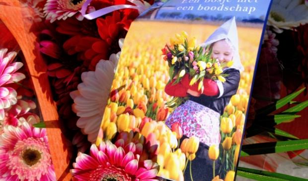 Met dit kaartje kunnen de bewoners een boeket cadeau doen aan een ander Rotaryclub Gorinchem-Merwede © BDU Media