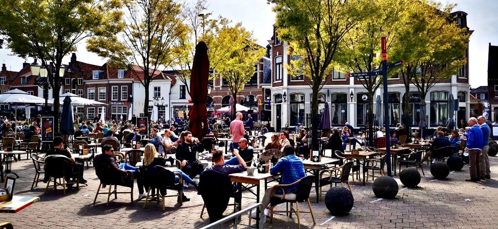 SmuldersAV/Ewerdt Heideman/Marjolein en Maurice/Nul33 café-restaurant © BDU media