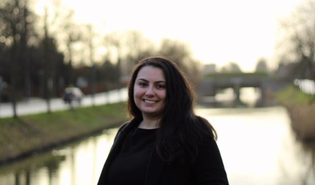 <p>Ani Zalinyan: &quot;Met een modaal inkomen van 2.400 euro netto per maand kan je in Haarlemmermeer alleen uit garageboxen en parkeerplaatsen kopen.&quot;</p>