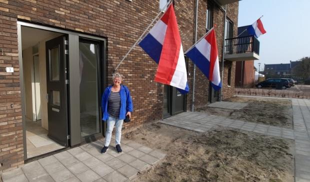 Elisabeth Werkhoven (75) bij haar nieuwe appartement