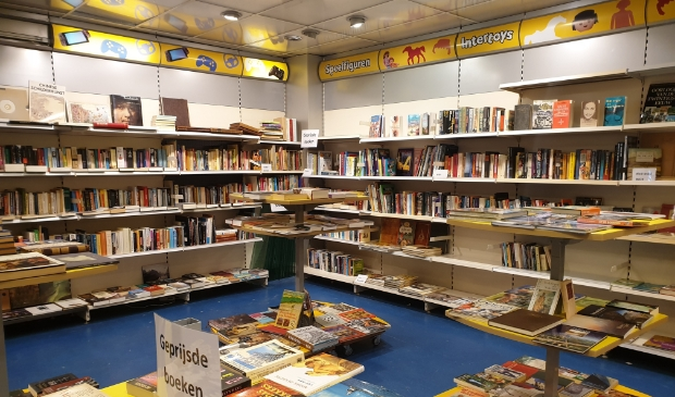De pop-up boekenmarkt aan de Langstraat 20