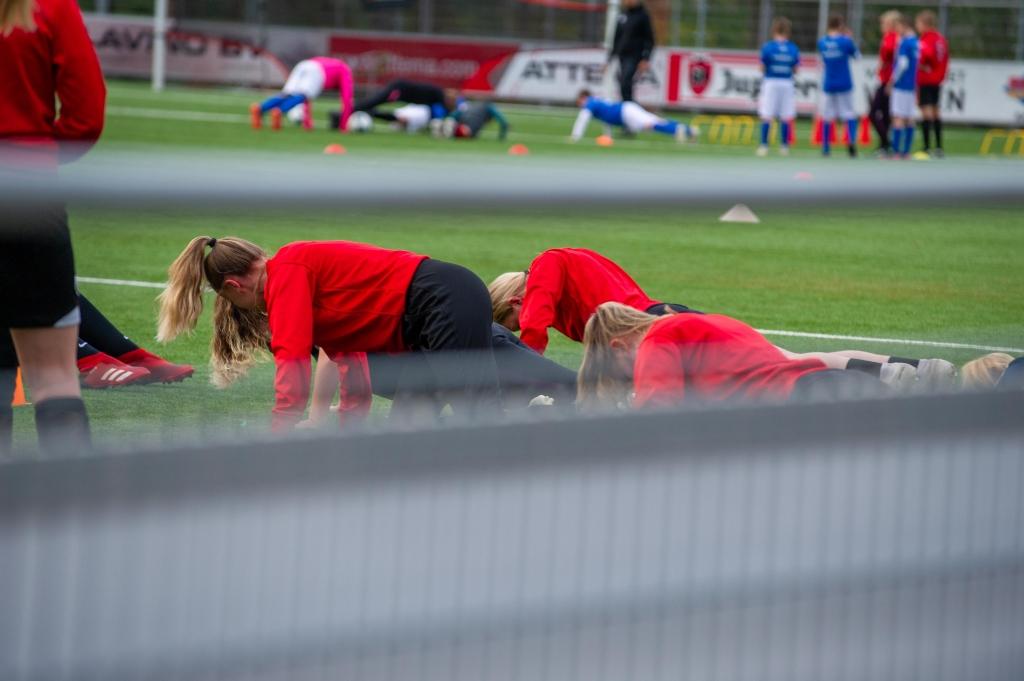 Unitas meisjesvoetbal clinic Theo Bos © BDU Media