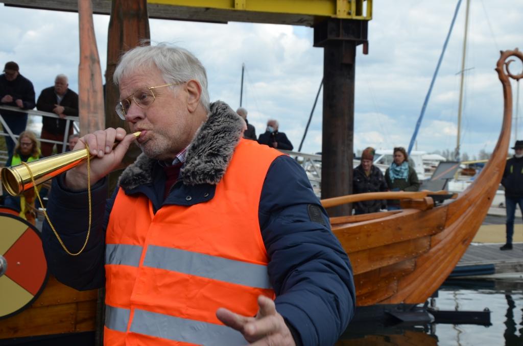 Bedenker Coos van den Hoek kan opgelucht op de scheeptstoeter blazen Ali van Vemde © BDU media