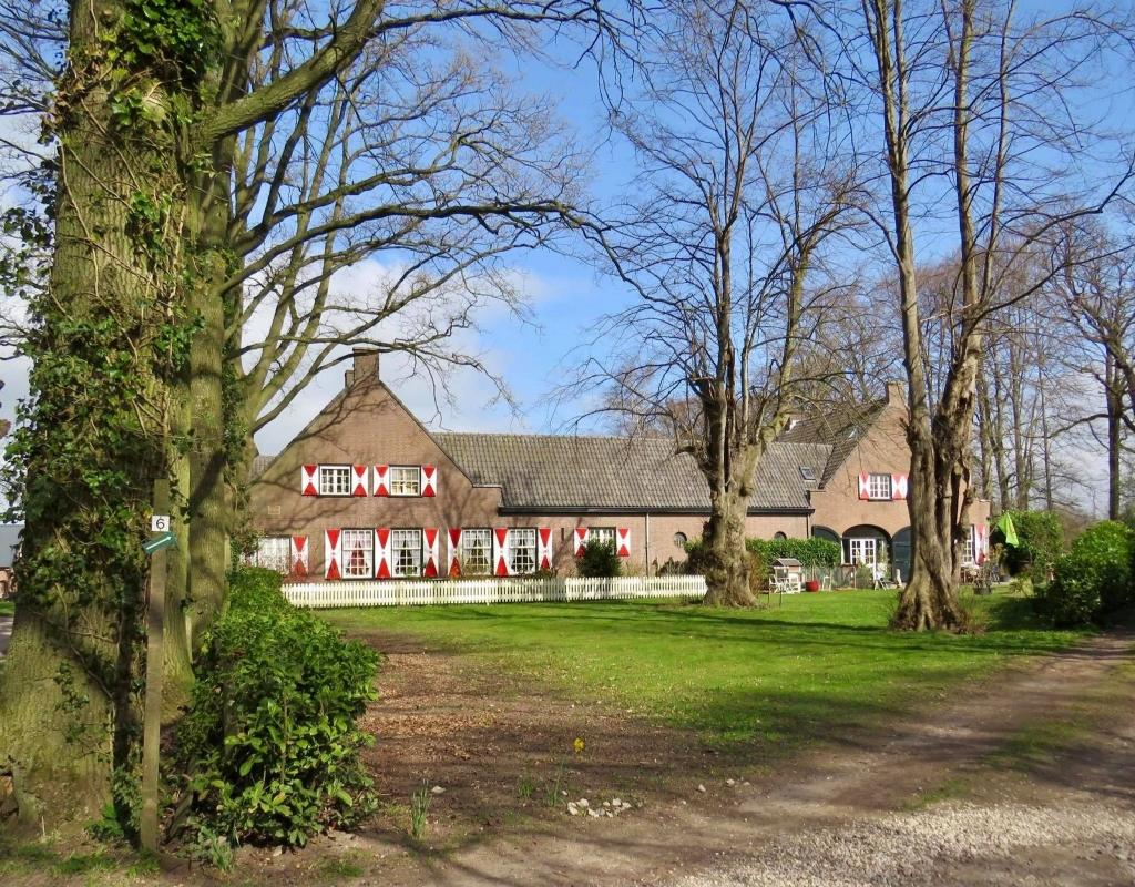 4De laatste fraaie (Melkvee)Boerderij op het Landgoed Onno Wijchers © BDU media